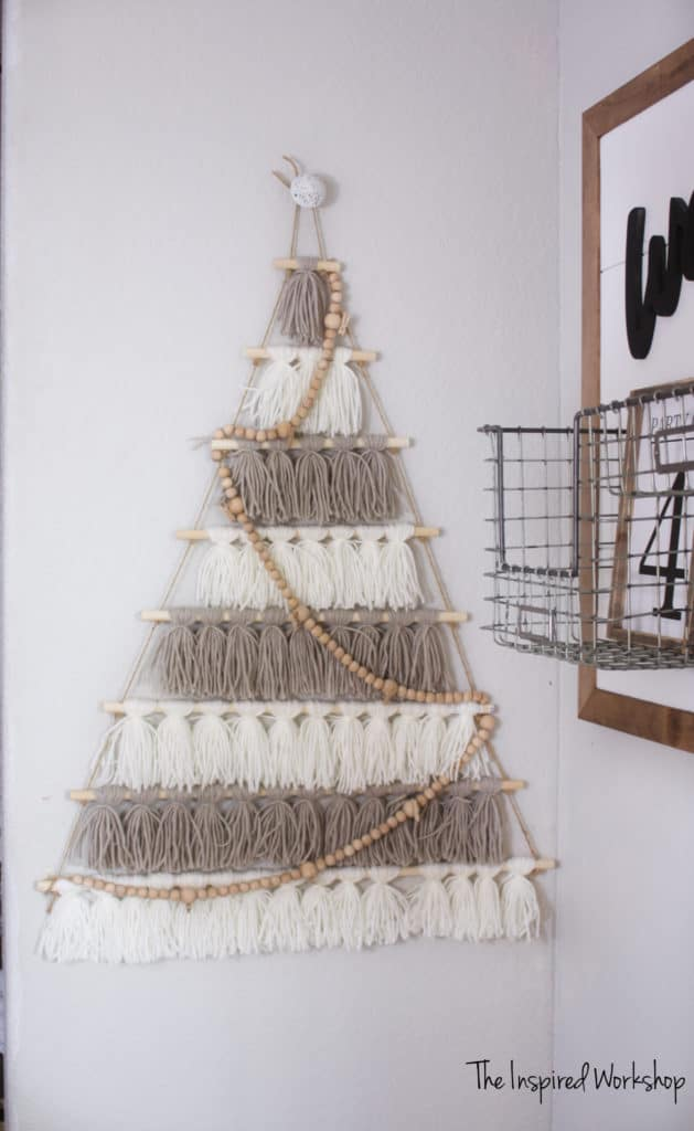DIY Christmas Tree Card Holder Made of Tassels