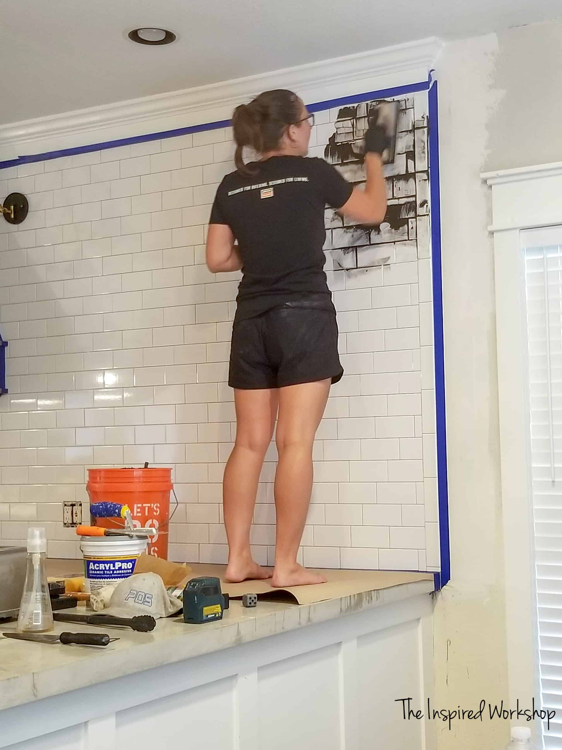 Tiling and grouting a kitchen statement wall