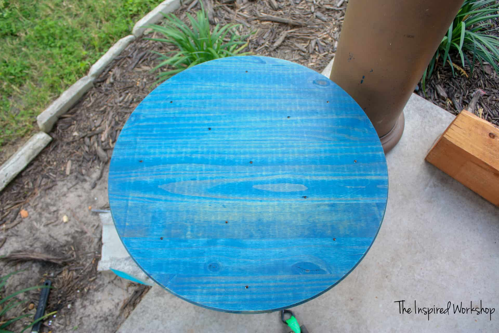 DIY Ring Toss Game - Rustoleum Navy stain