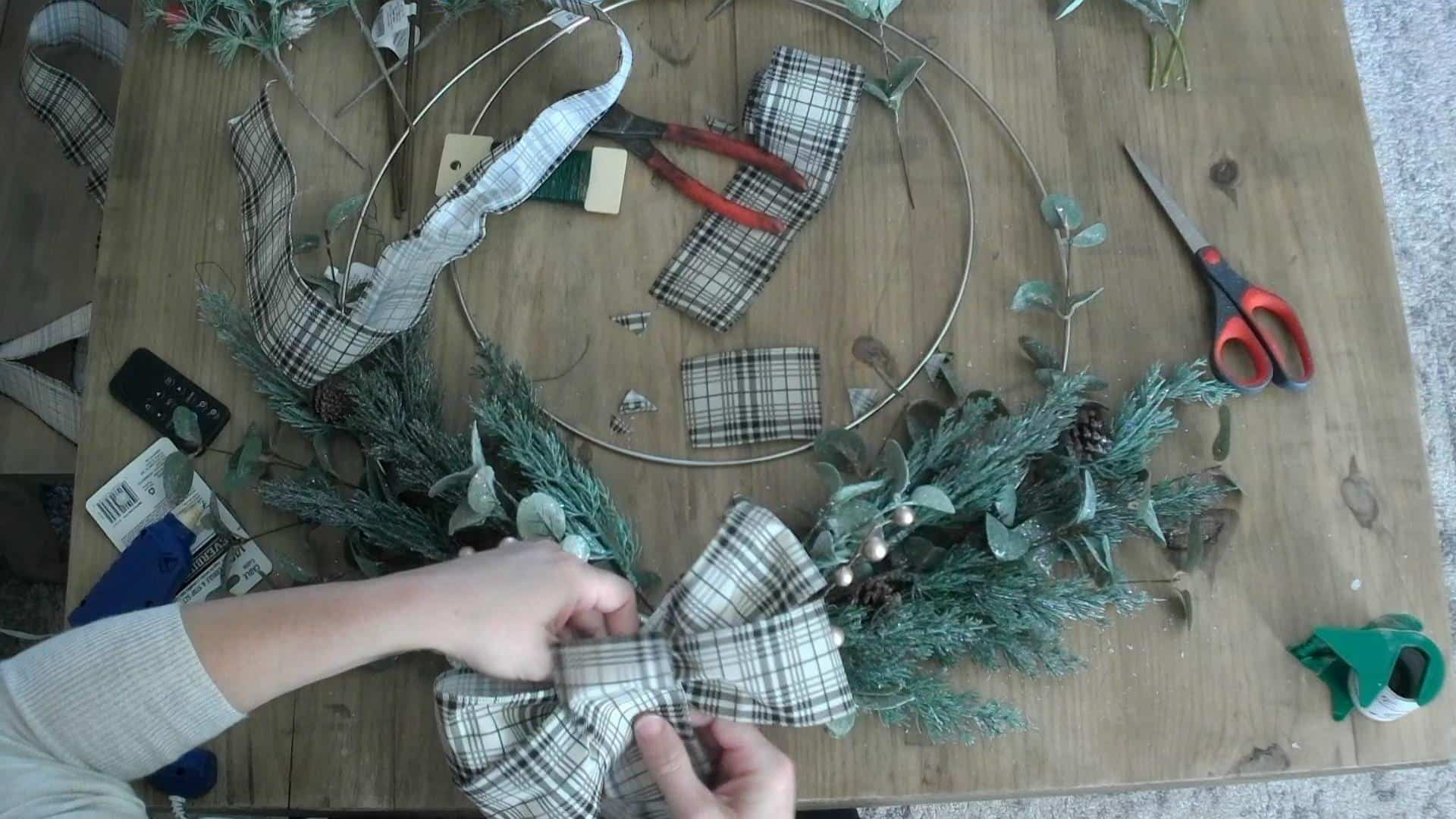 Making the bow for the metal hoop wreath