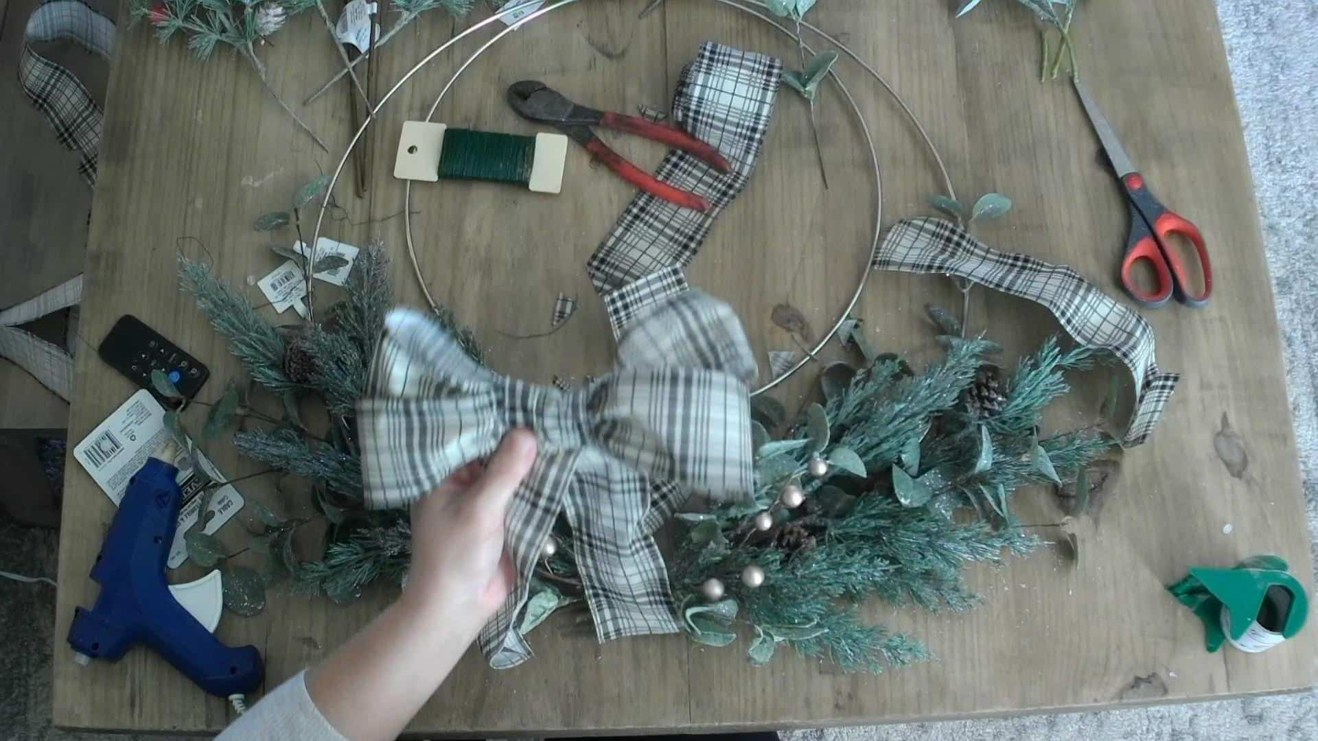 Making the bow for the DIY Christmas wreath