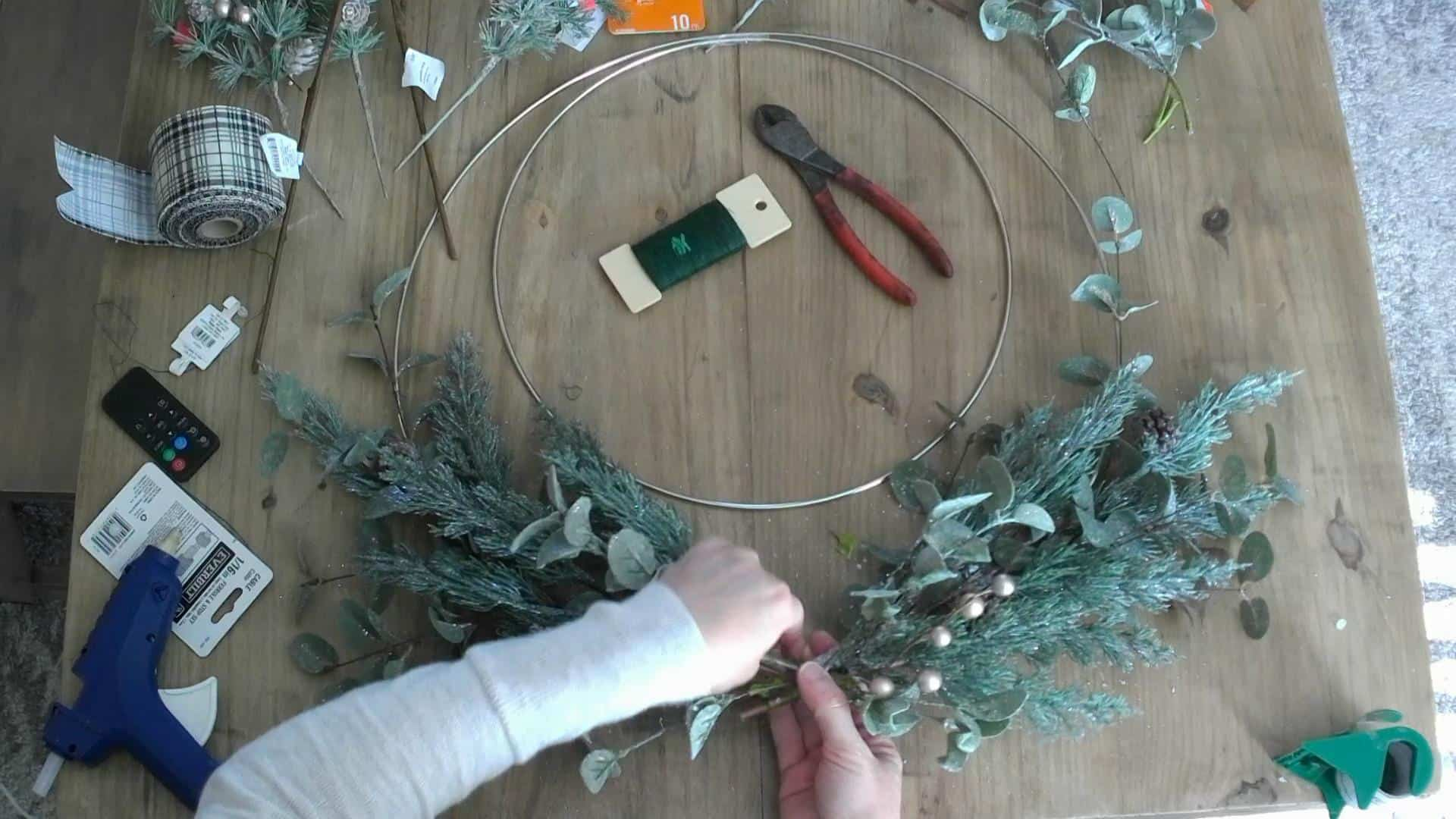 DIY Wintery Christmas Wreath