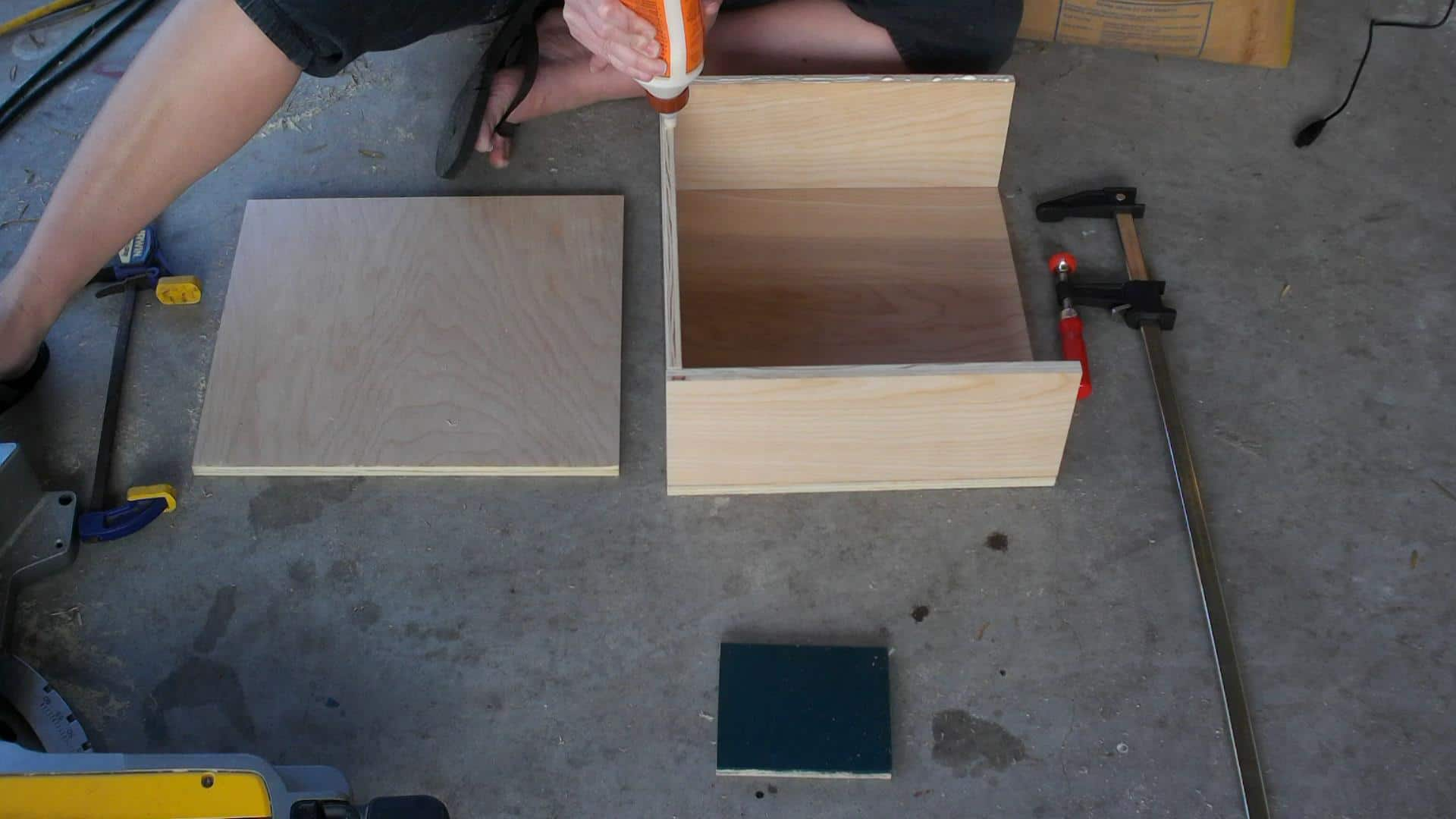 Building the vinyl record storage
