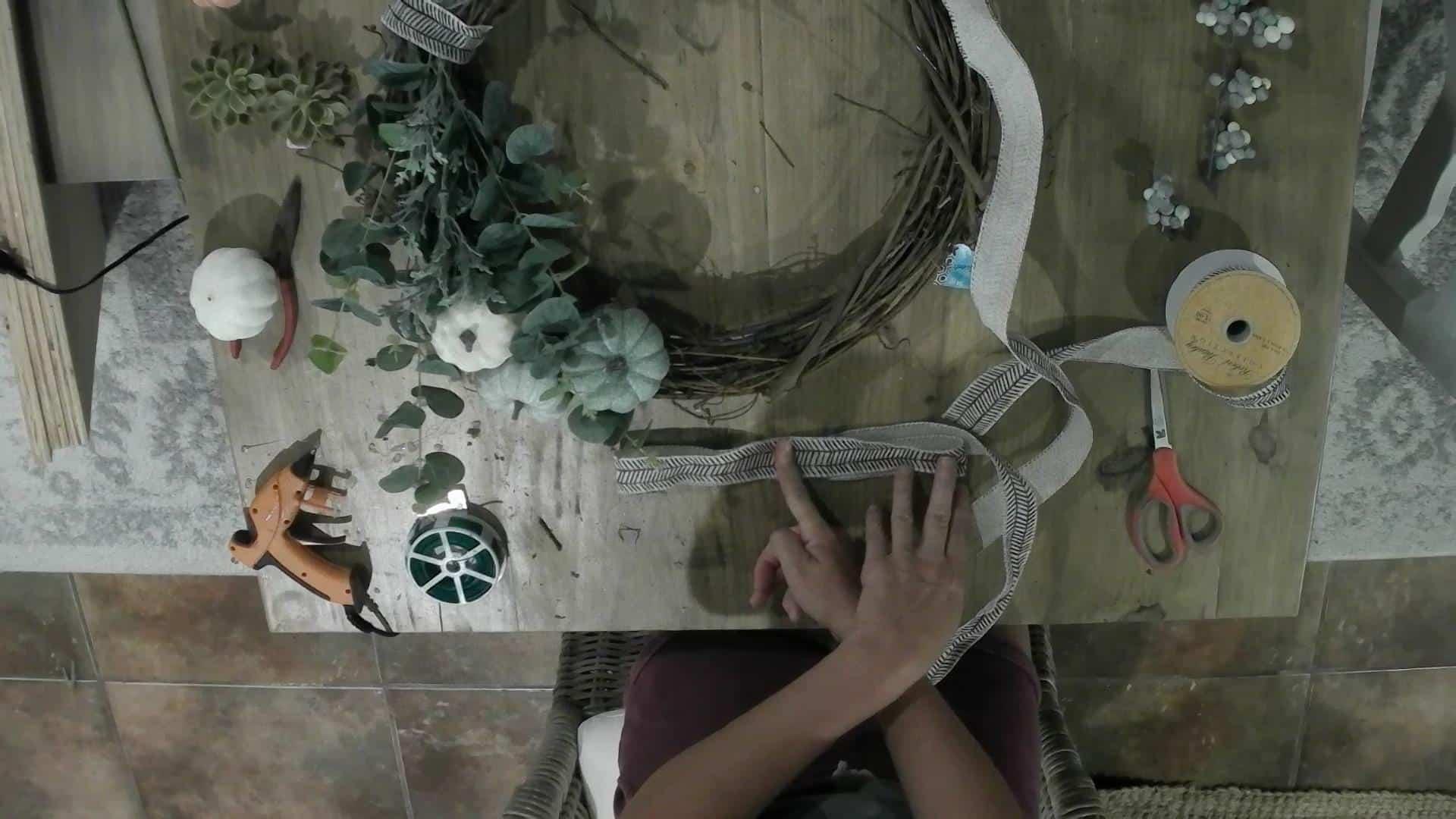 DIY Fall Wreath how to tutorial