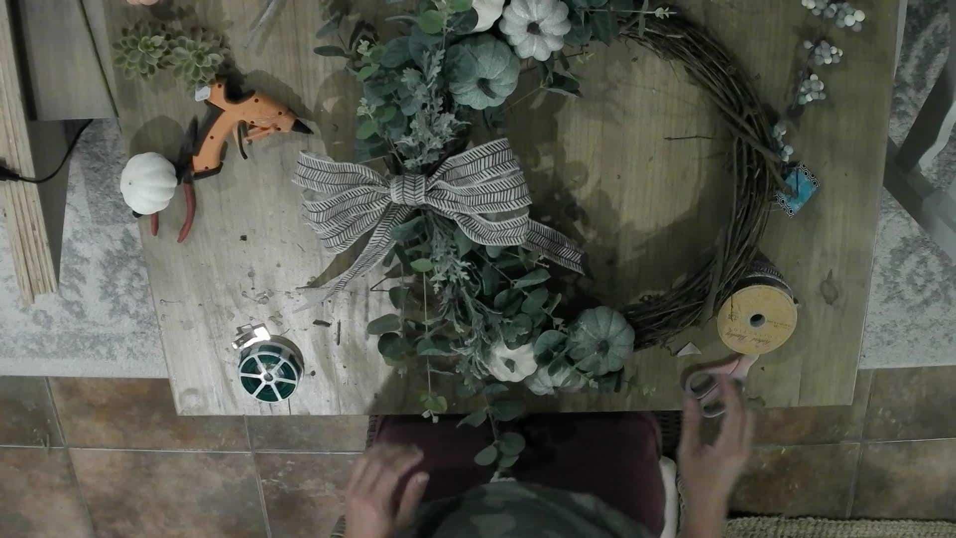 DIY Fall Neutral Wreath